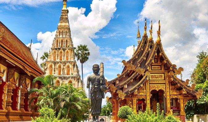 Enorme templo budista en Tailandia