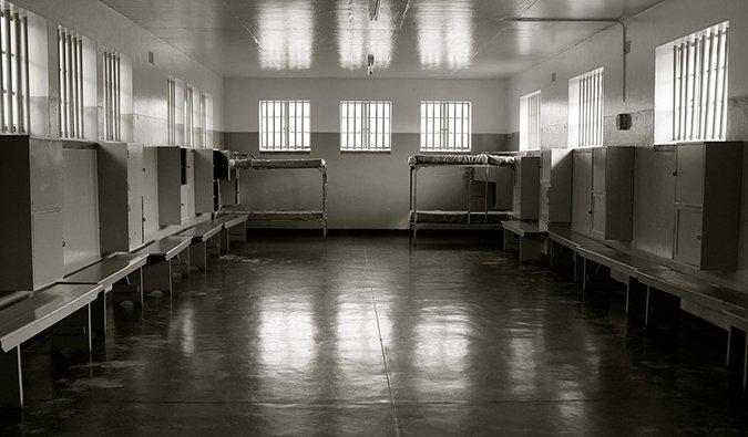 fotografía en blanco y negro de la prisión de Nelson Mandela,