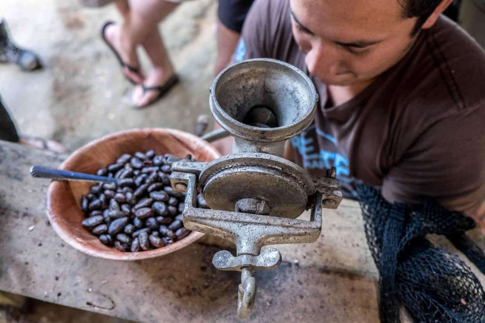 Hacer café en la Amazonía ecuatoriana [19659062] Hacer chocolate en la selva amazónica Ecuador