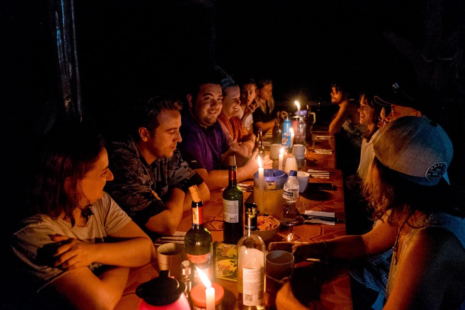 Un pequeño grupo de turistas en la selva amazónica amazónica [19659047] Habitación ecuatoriana en Ecuador Amazon