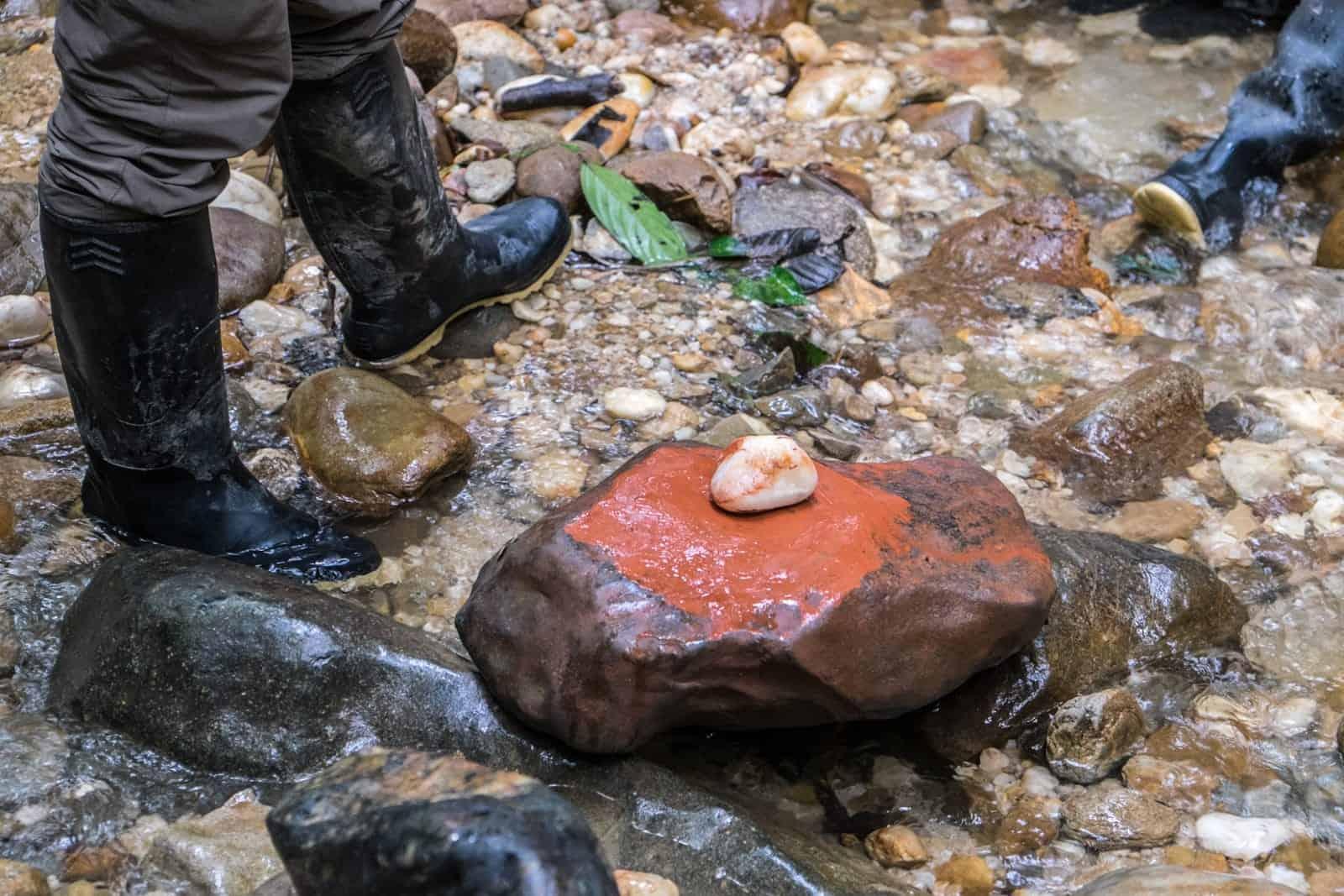 Piedra de color natural ecuatoriano amazónico