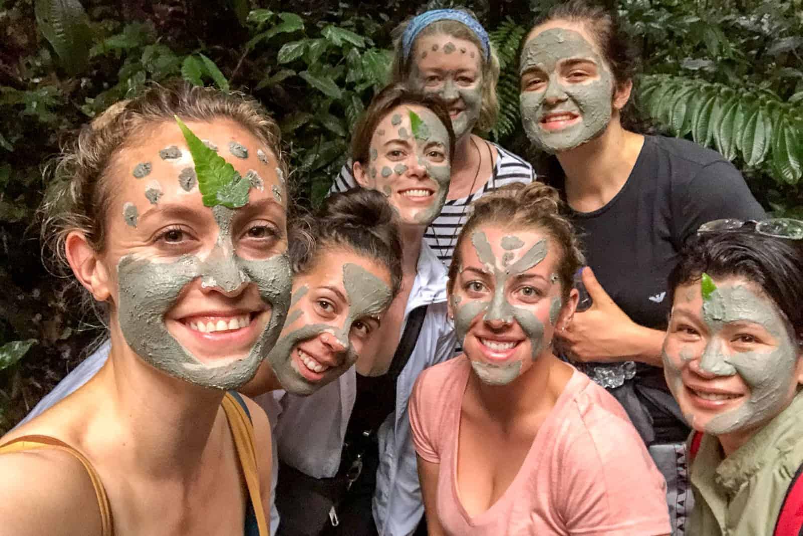 Máscaras de la jungla de la selva amazónica