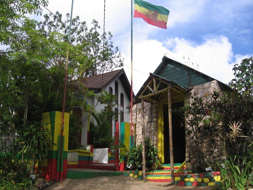 A los pies de Bob Marley