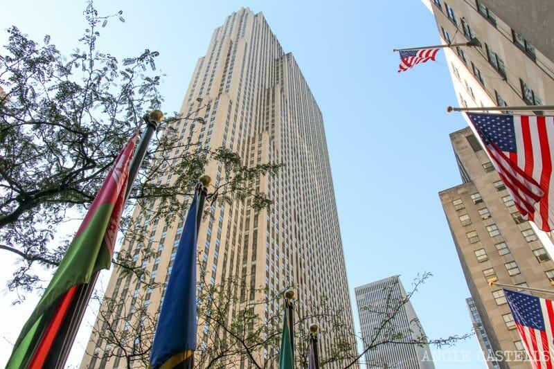 Suba & # 39; en el lado & # 39; en roca en el Rockefeller Center