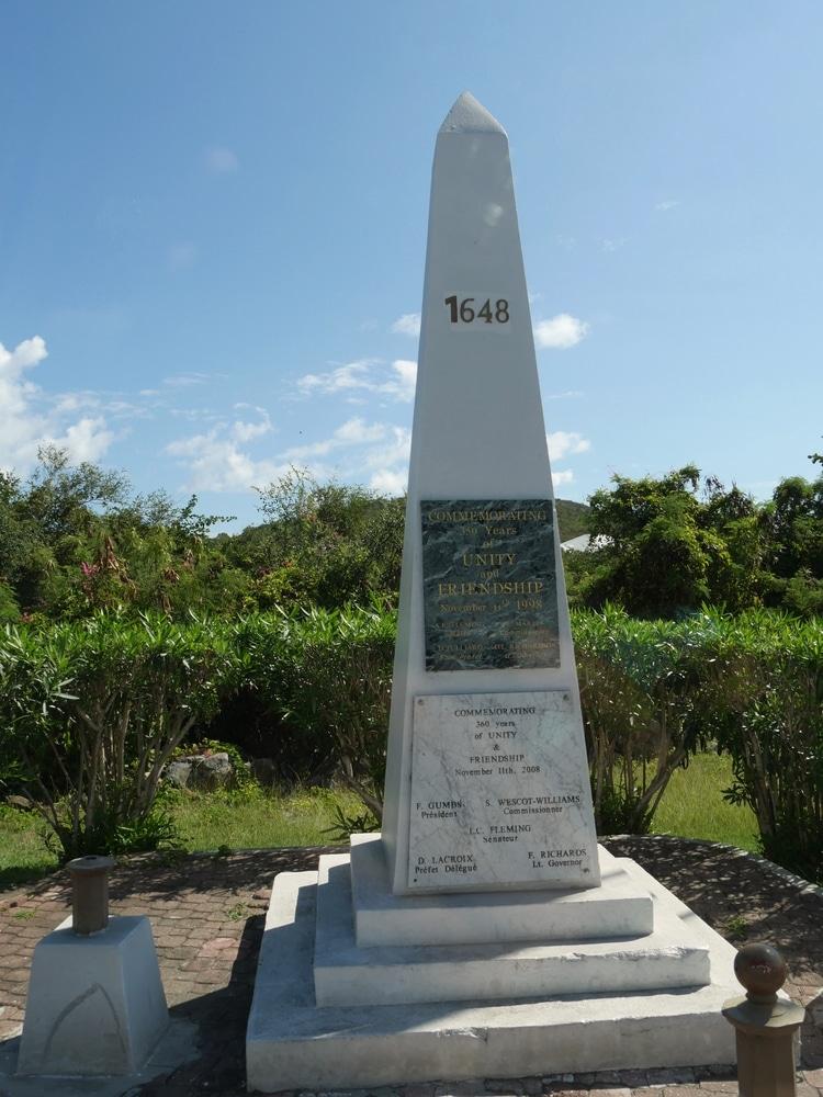 Obelisco fronterizo, St Maarten