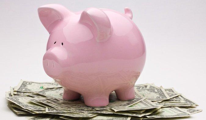 Ahorre dinero en viajar en su alcancía