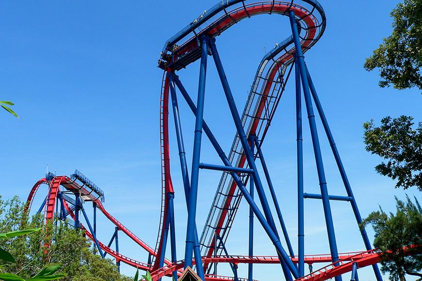Montaña rusa Sheikra en Busch Gardens, Tampa Bay