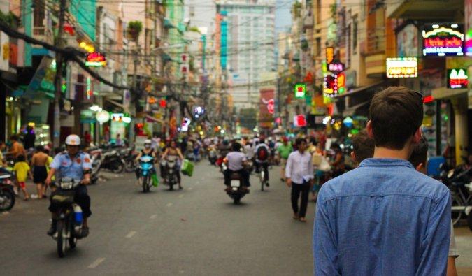 Mochilas de viajeros para hombres solos en el sudeste asiático