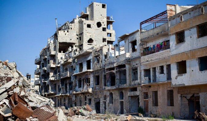 Uno de los muchos edificios dañados en Siria